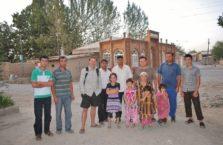 Tadżykistan - z miejscowymi.
