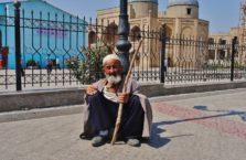 Tadżykistan - żebrak w mieście Penjikient.