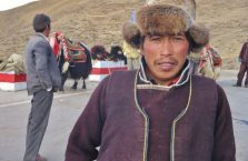Tybet - człowiek na szlaku.
