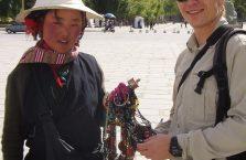 Tybet - z młodą dziewczyną.