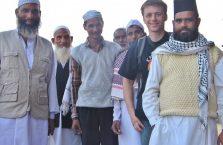Indie - no cóż, muzułmanie piękni nie są ale starali się.