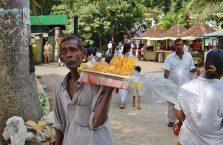 Sri Lanka - sprzedawca mango.