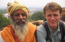 Indie - zamyślony turban.