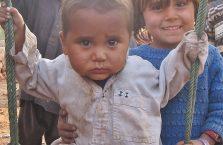 Pakistan - dziecko w obozie uchodźców afgańskich.