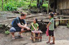 Laos - twardy interes.