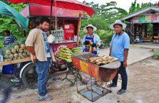 Tajlandia - sprzedawcy kukurydzy.