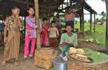 Birma - ludzie ze wsi.