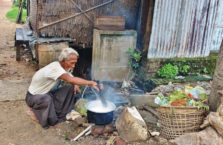 Birma - kolacja pod gołym niebem.
