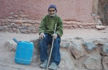 Iran - stary, biedny człowiek.