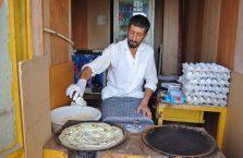 Iran - sprzedawca naleśników.