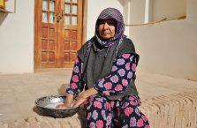Iran - stara kobieta.