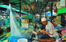 Brunei - rybak.