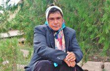 Armenia - kobieta w chuście.