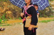 Wietnam - młoda dziewczyna z dzieckiem.