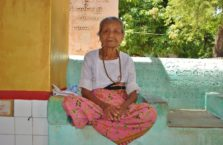 Birma - stara kobieta.