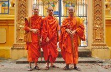 Kambodża - mnisi.
