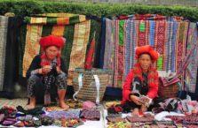 Wietnam - kobiety na straganie.