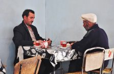 Azerbejdżan - mężczyźni w herbaciarni.