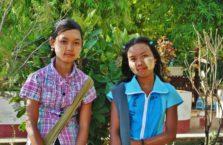 Birma - młode dziewczyny.