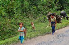 Laos - mama z dzieckiem.