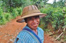 Birma - mężczyzna w kapeluszu.