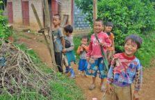 Birma - chłopcy ze wsi.