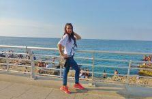 Liban - młoda dziewczyna pozująca dla mnie.