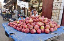 Liban - sprzedawca jabłek.
