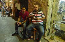 Jordania - muzułmanie palący shisha.