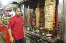 Palestyna - sprzedawca kebabów.