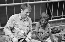 Sri Lanka - z biedną kobietą na ulicy.