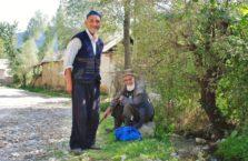Kirgistan - starsi Panowie.