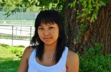 Kazachstan - młoda dziewczyna.