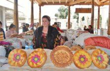 Uzbekistan - tradycyjny uzbecki chleb.