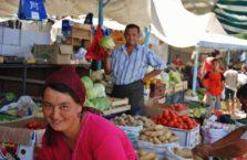Kazachstan - kobieta na bazarze.