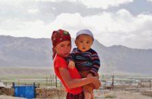 Tadżykistan - rodzeństwo, jak się domyślam.
