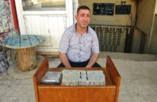 Iraqi Kurdistan - currency exchanger.